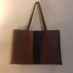 VINCE CAMUTO || Vegan Leather Bag